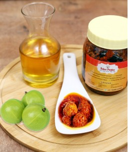 Amla Pickle - 450 Gms